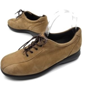 Munro tan leather lace up oxford shoes 8 W